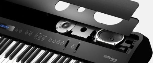 Powerful speaker system of the Roland FP-90