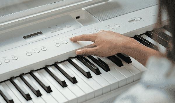 Kawai ES520 Review - controls