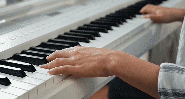 Kawai ES520 Review - keys