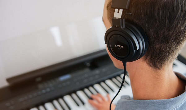 Kawai ES920 Review - headphones